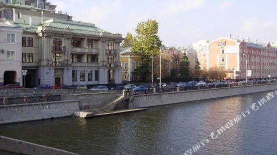 奧澤科夫斯卡亞酒店