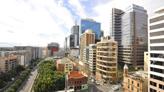 Metro Apartments on Darling Harbour Sydney