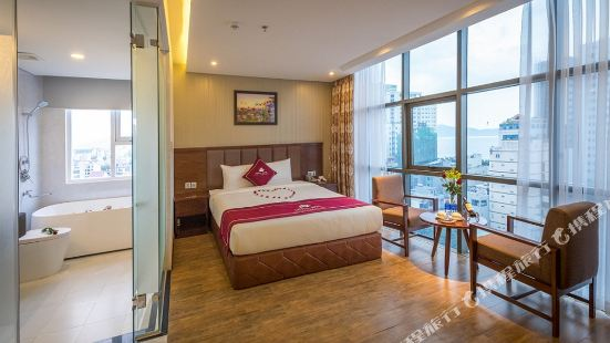Crystal Hotel Da Nang
