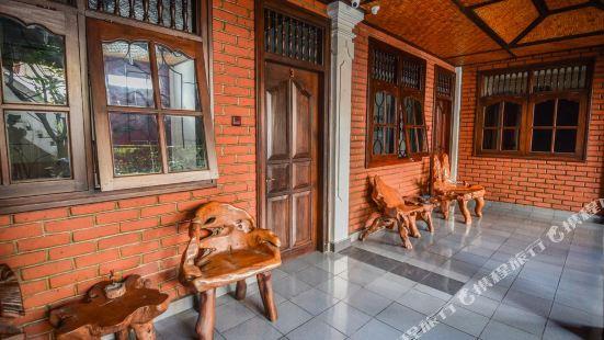 普里阿貢家庭旅館