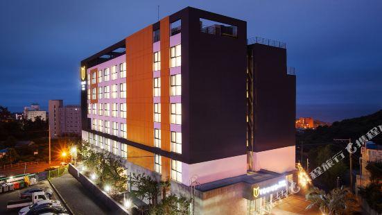 유어스 호텔