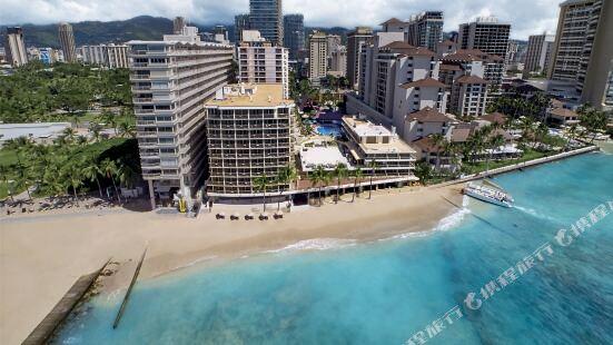 舷外珊瑚海灘旅館