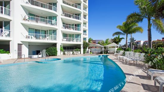 Crystal Bay on The Broadwater Gold Coast