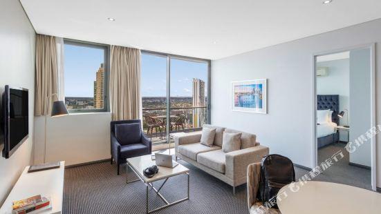 Meriton Suites - Campbell Street, Sydney