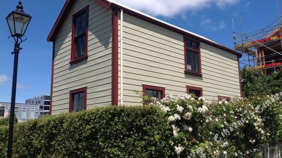 Wellington City Townhouse