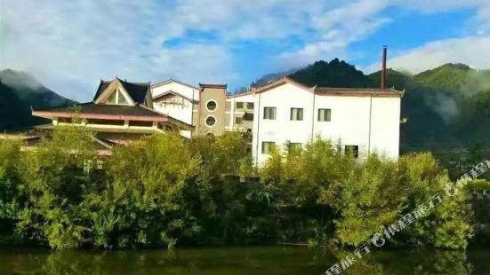 寧陝海榮皇冠大酒店