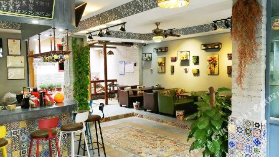 黃姚古鎮花滿堂咖啡客棧