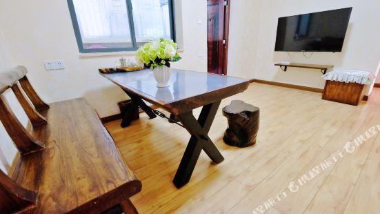 Diduan Weiwang Apartment (Guilin Zhengyang Pedestrian Street)