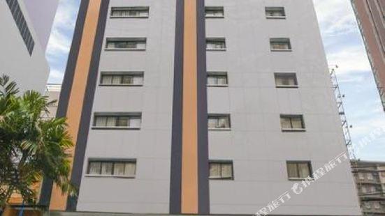 Coro Hotel