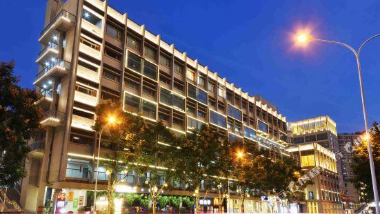 Dazhi Genxing Hotel (Wuhan Dazhi Road Metro Station)