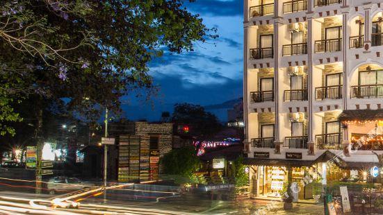 拉尼班拱廊酒店