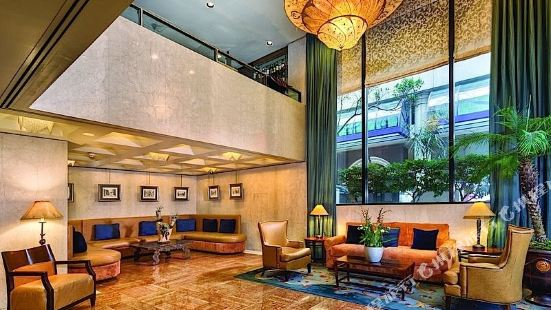 多納特羅俱樂部酒店