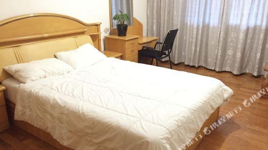 Huijia Youth Apartment (Chengdu Kuanzhai Xiangzi)
