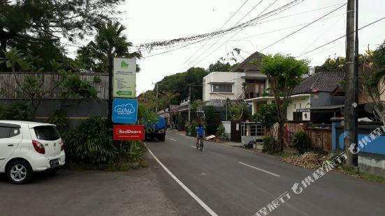 峇里島金巴蘭萊斯塔裏公寓酒店