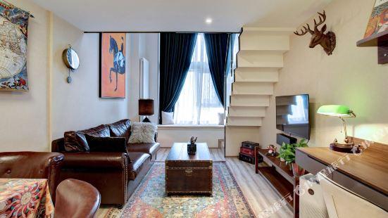 Bunny Home Light Luxury Apartment (Vanke Jinyu International)