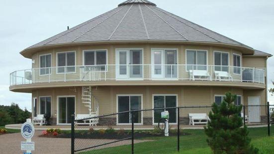 Around the Sea - Cana da's Rotating House, Suites & Tours