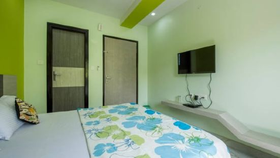 Chandramouli Hotel