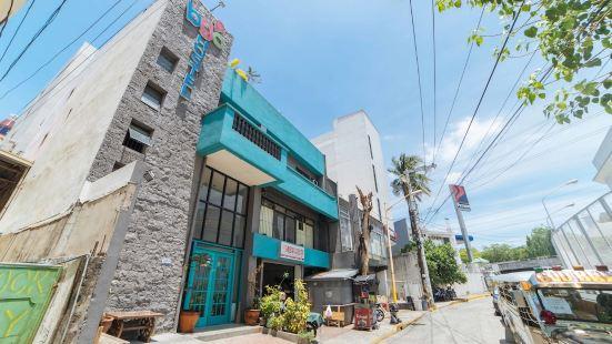 RedDoorz Plus @ Danlig Street Makati