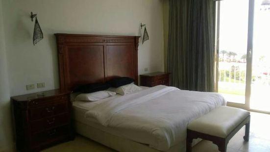 驚人 4 居別墅酒店