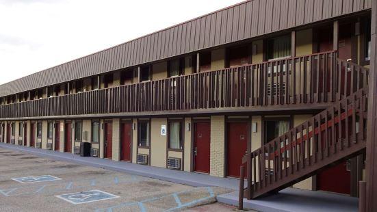 印第安納波利斯卡斯特爾頓紅屋頂酒店