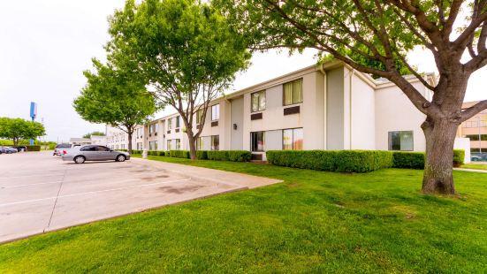 德克薩斯達拉斯 - 東北 6 號汽車旅館