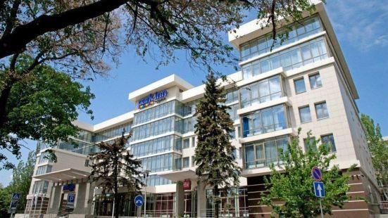 多內茨克麗柏酒店