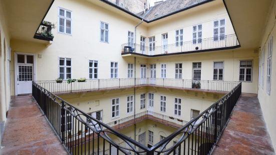 標準公寓 Hi5 酒店 - 鏈橋