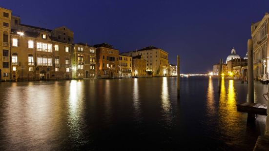Palazzetto Pisani Grand Canal