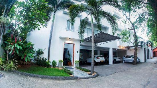 Whitehouse Residencies