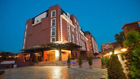 北布加勒斯特華美達温德姆套房酒店