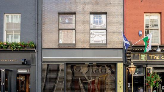 Stayo Berwick Street