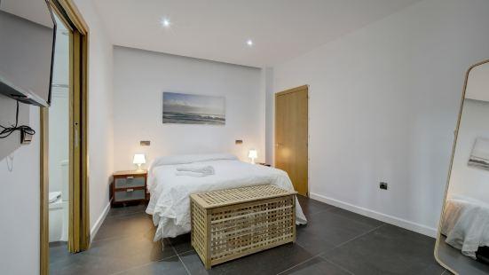 Wonderful Views in Luxury Apartment