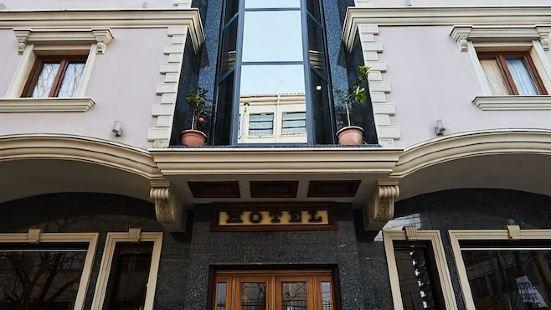 布里蘭特安提科酒店