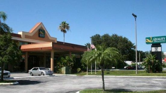 Quality Inn & Suites Tarpon Springs South