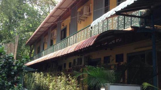 BC 斯里拉雅旅館