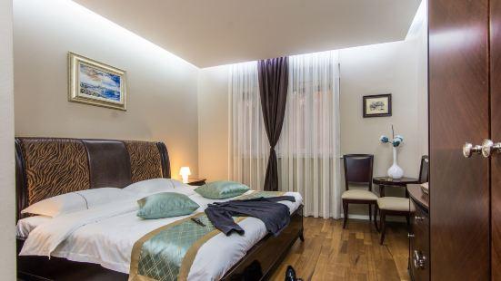 Scallop Regent Rooms