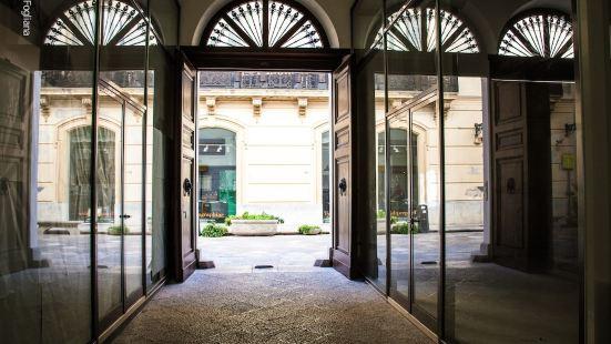 中央藝廊酒店
