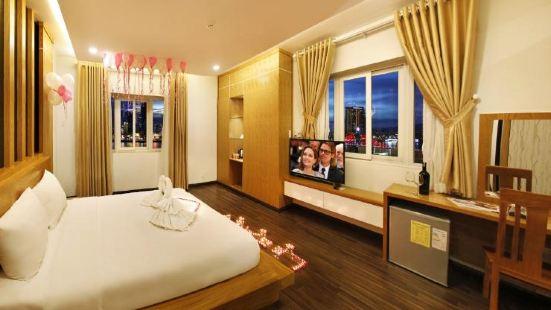 Legacy Riverside Hotel Da Nang