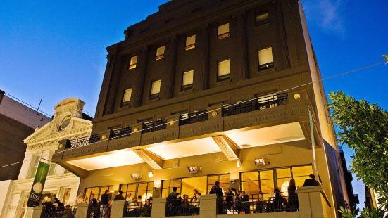 里士滿蘭德購物商場酒店