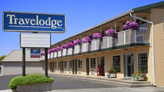 Travelodge by Wyndham Pendleton or