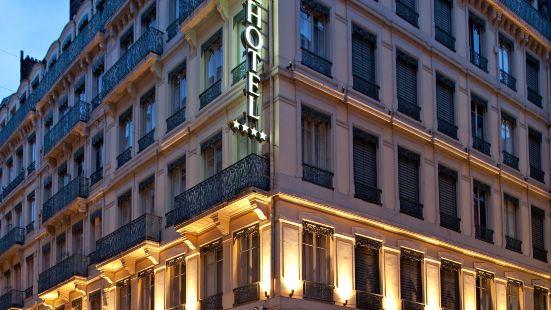 全球塞西爾酒店
