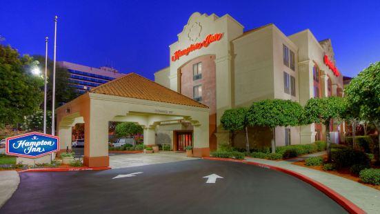 米爾皮塔斯歡朋酒店