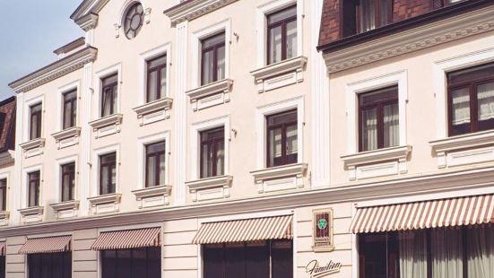 法米里翁公寓式酒店
