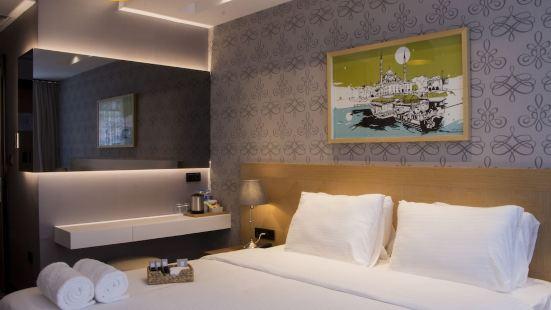 Four-G Hotel