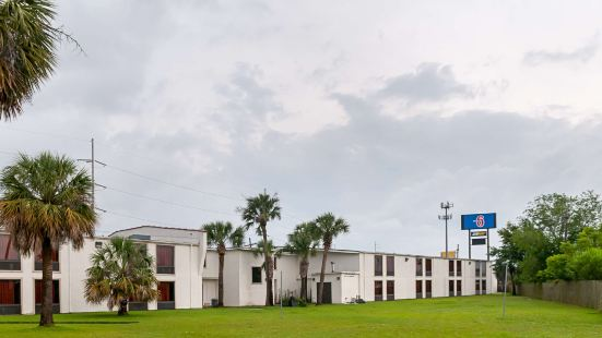 Motel 6-New Orleans, La - Near Downtown
