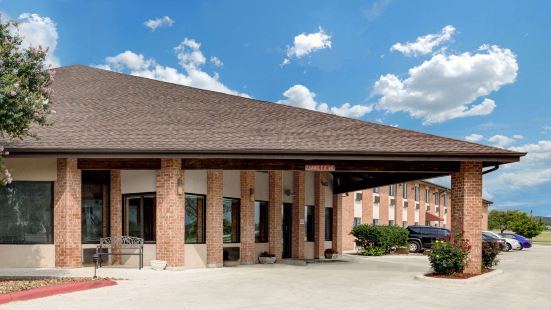 Baymont Inn & Suites by Wyndham San Marcos Outlet Malls