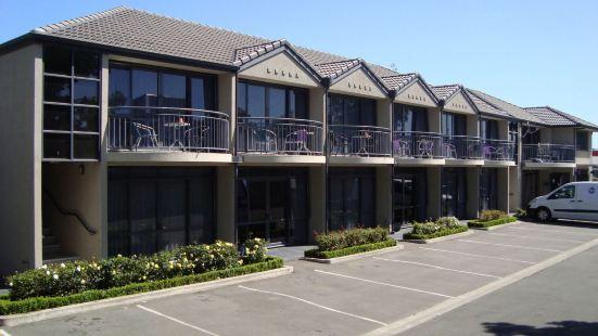 Azena Suites & Apartment