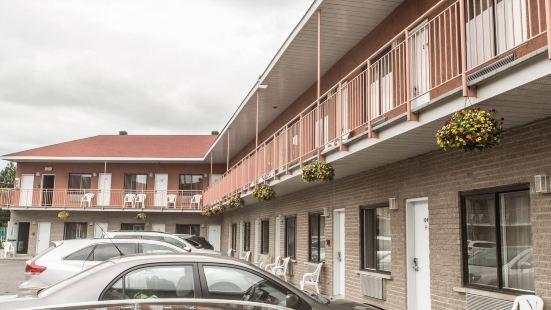 布羅瑟德獵鷹汽車旅館