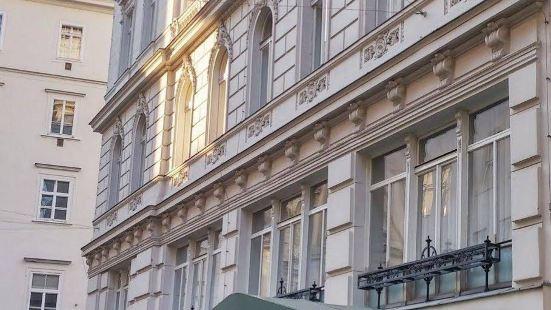 杜米茲爾酒店