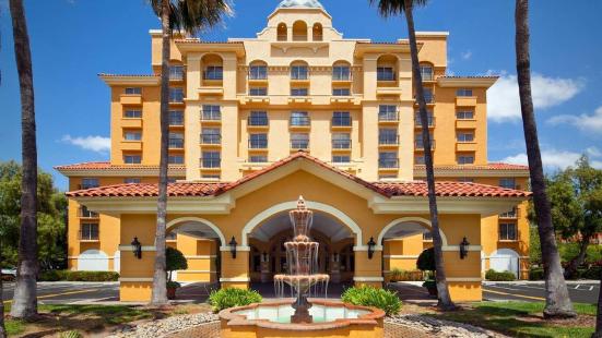 米爾皮塔斯硅谷大使套房酒店